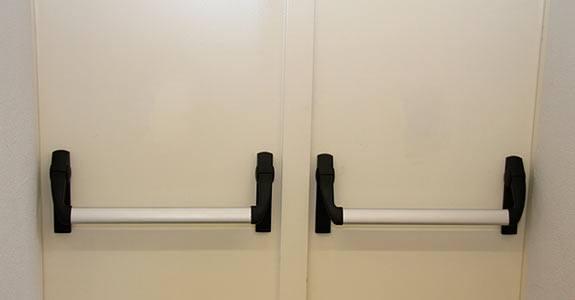 normativa relacionada con puertas cortafuegos
